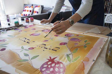 Workshop in Israel painting on silk הסדנ
